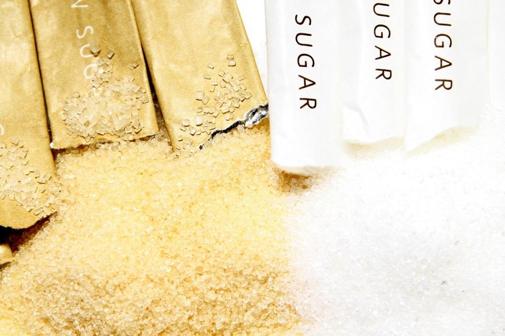 A barna cukor színét a benne lévő melasz adja